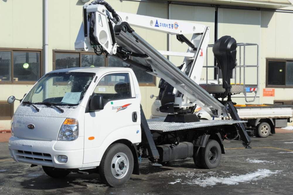 Aerial Lift Truck Horyong SKY 210A South Korea