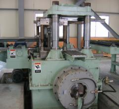 Roll forming machines to produce deck plates