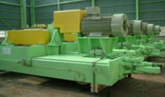 Roll changing equipment