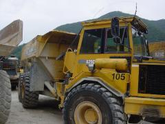Volvo A25C 굴절식 덤프트럭