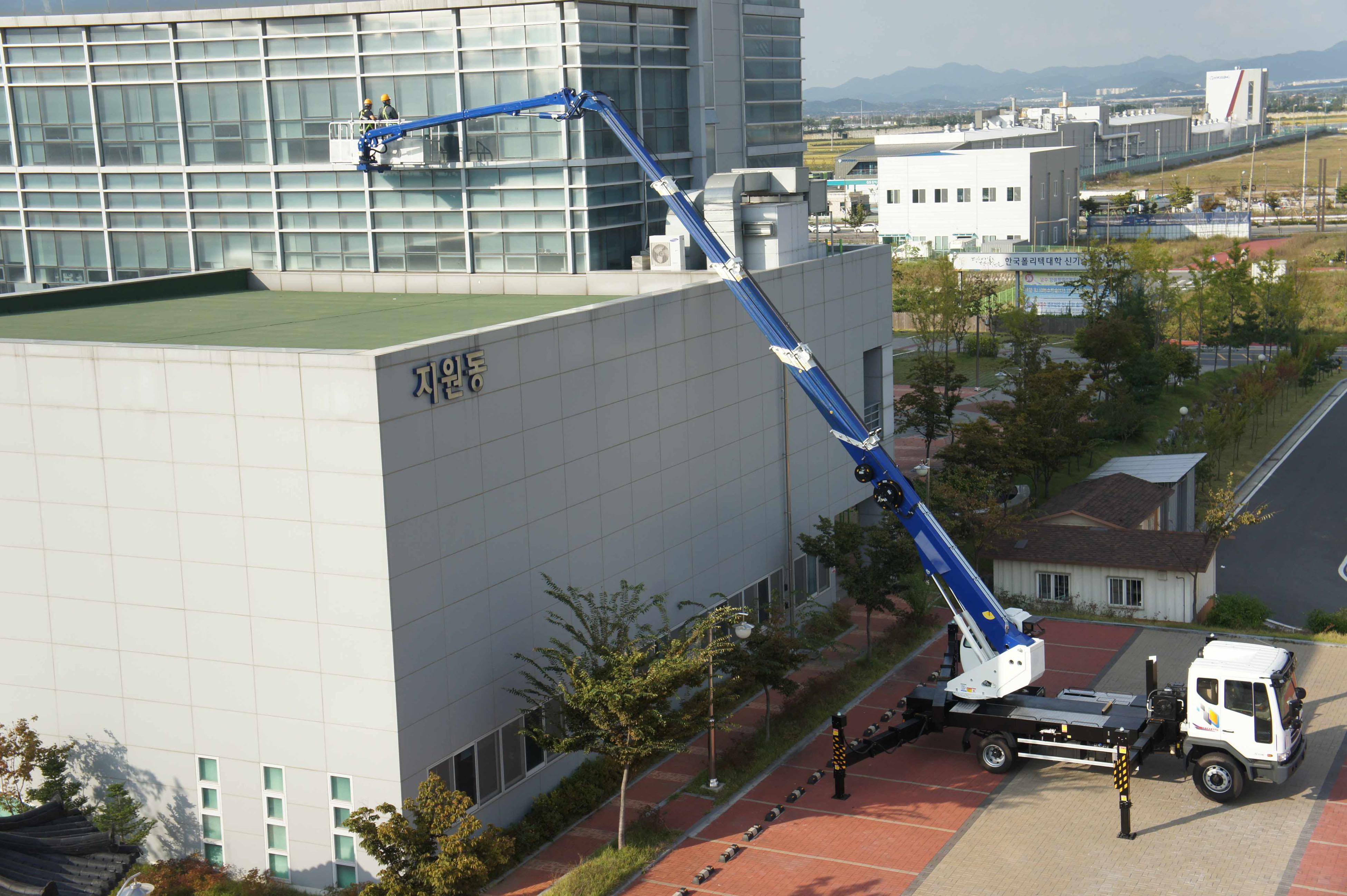 aerial_lift_truck_sky_400kr_south_korea